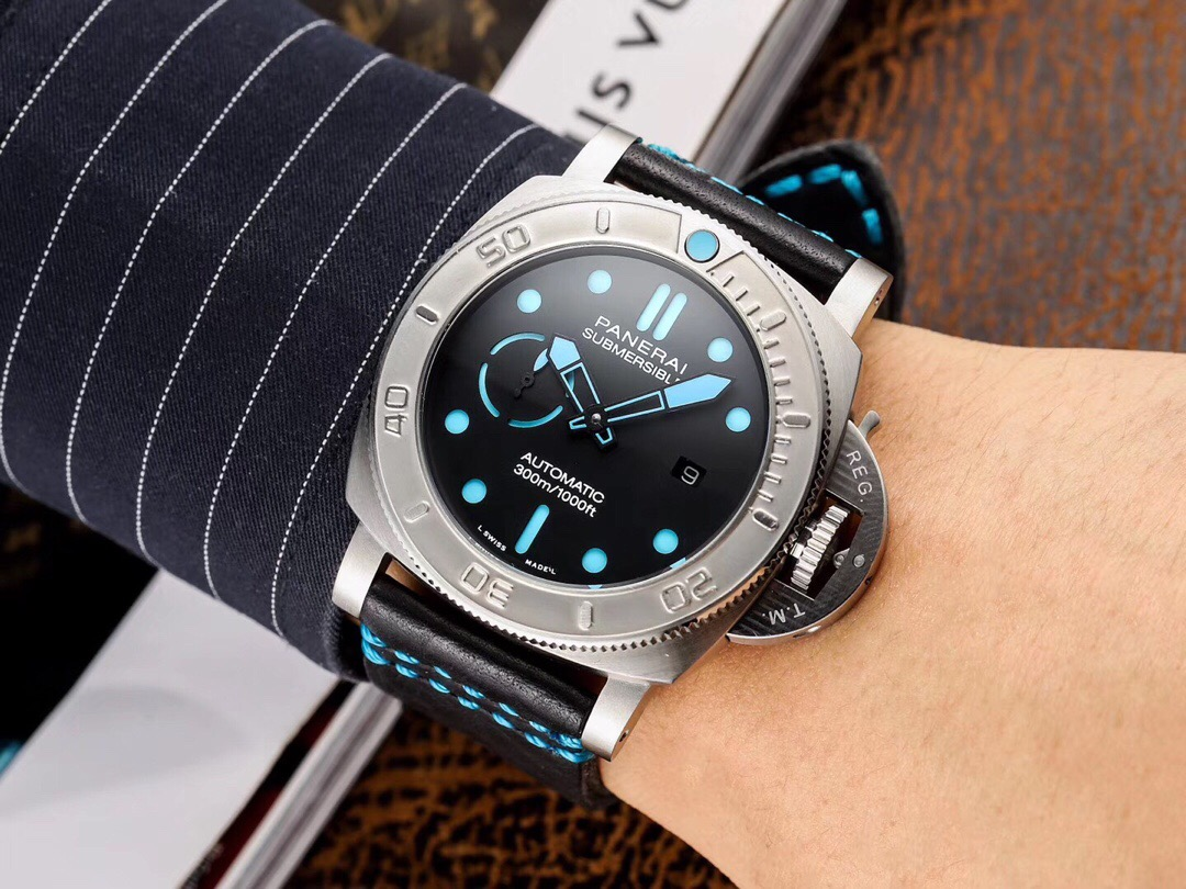 Clone Panerai Submersible Black Dial Watch
