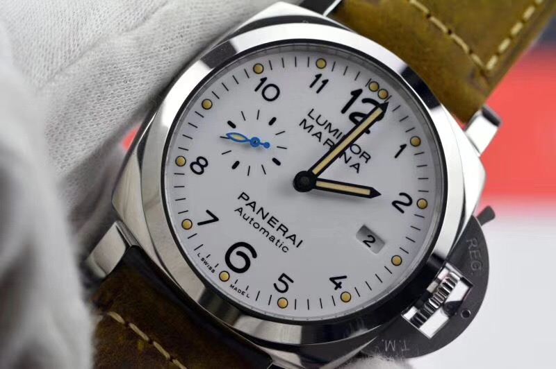Copy Panerai White Dial Brown Leather Strap V2 Swiss Watch
